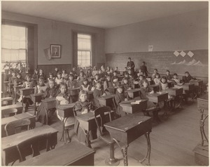 Wells School - interior - class 5, 1st division