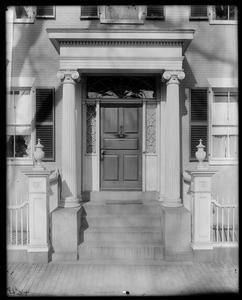 Salem, 10 Chestnut Street, exterior detail, door, N. Robinson house