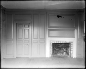 Marblehead, 169 Washington Street, interior detail, fireplace and panelling in second floor rear chamber, Jeremiah Lee house
