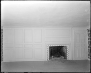 Marblehead, 169 Washington Street, interior detail, fireplace and panelling in third floor front chamber, Jeremiah Lee house