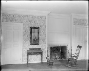 Marblehead, 169 Washington Street, fire place and wallpaper, Jeremiah Lee house