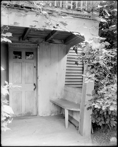 Kingston, Rhode Island, exterior detail, part of porch, General Cyrus French house