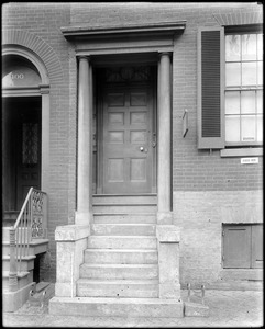 Baltimore, Maryland, 402 Saint Paul Street, exterior detail, door, unknown house
