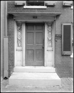 Baltimore, Maryland, 339 Saint Paul Street, exterior detail, door