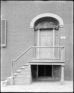 Baltimore, Maryland, 326 Saint Paul Street, exterior detail, door and steps, unknown house