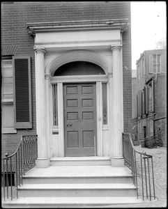 Baltimore, Maryland, 9 East Pleasant Street, exterior detail, door, unknown house