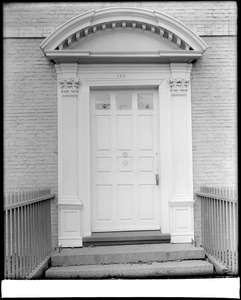 Portsmouth, New Hampshire, 150 Daniels Street, exterior detail, door, Warner house
