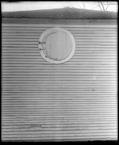 Portsmouth, New Hampshire, exterior detail, window, barn, Brimstone hill