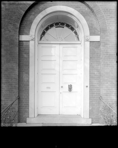 Portsmouth, New Hampshire, 180 Middle Street, exterior detail, door, Larkin, Richter house