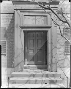 Boston, 2 Lynde Street, exterior detail, front door, Harrison Gray Otis house