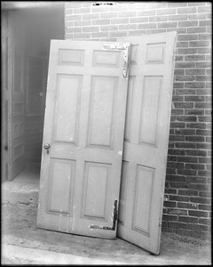 Beverly, 115 Cabot Street, George Cabot house, interior detail, doors