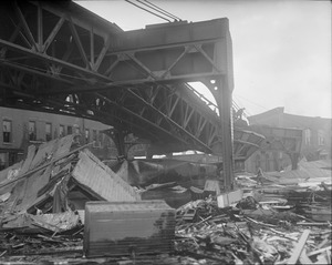 Twisted elevated structure on Atlantic Ave., damaged in Molasses Disaster