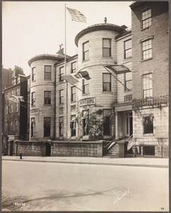 Somerset Club, Beacon Street, showing war flags, May 23, 1919
