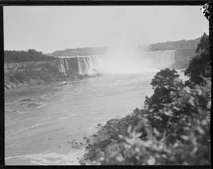 "Niagara Falls vacation - ""Bald head Jones in foreground"""