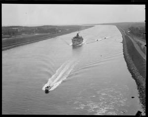 Boats and ship going through Cape Cod Canal