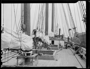 5-masted Edna Hoyt in drydock