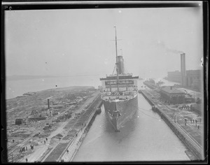 SS Leviathan entering South Boston drydock.