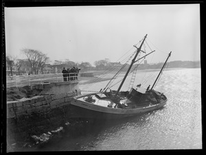 "55 foot gill-netter ""Liberia C."" aground at entrance of Annisquam River"