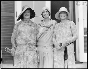 Betty Nuthall / Marjorie Morrill / Edith Cross. Chestnut Hill Courts.