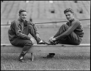 Dash men from Southern California, Milt Maurer and Frank Wykoff