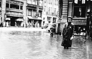 Essex Street flooded with policeman