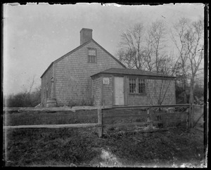 Unidentified house, not typical cape style