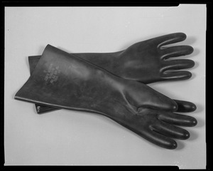 Line item (J-68475) - gloves, toxicological agents protective, M4