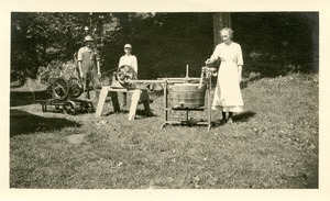 Graves family washing machine, c. 1915