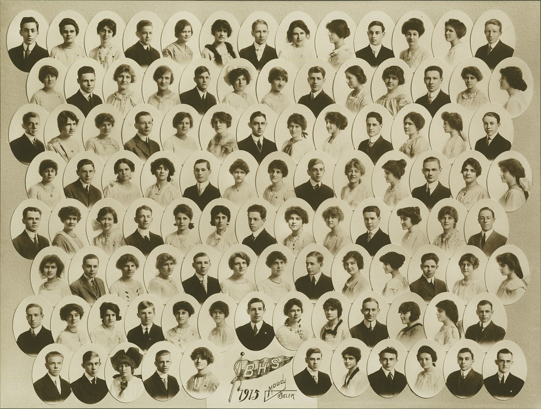 Class picture. Class of 1915.