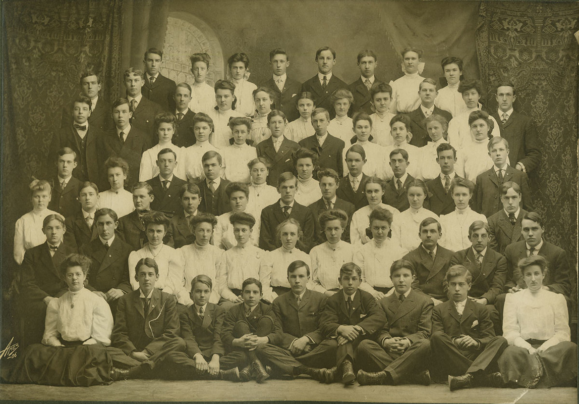 Class picture. Class of 1906.
