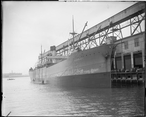 SS Dunsley being loaded with supplies for war zone