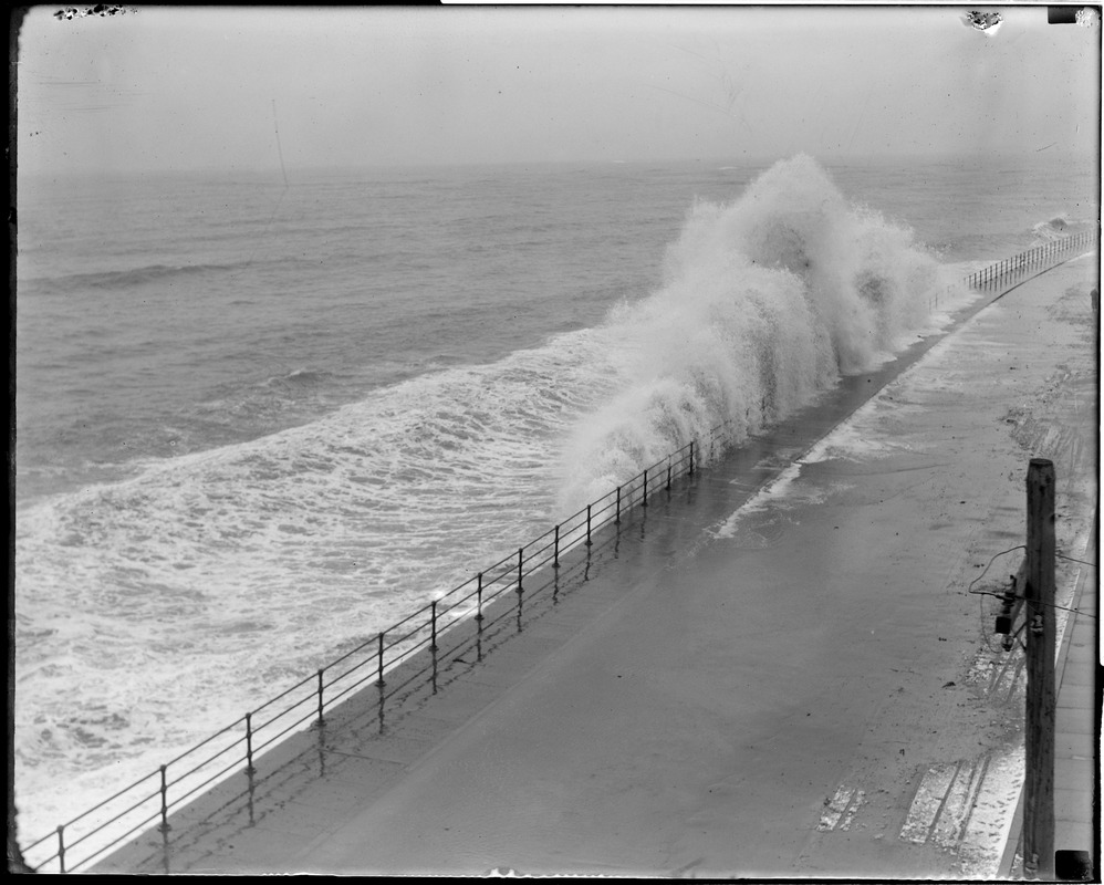 Surf at Winthrop Beach during a northeaster