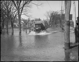 Braintree streets flooded from river overflowing from quick thaw