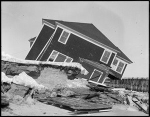 Wrecked house, Hampton Beach, N.H.