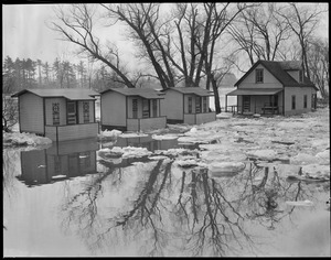 Cottages flooded in New England flood