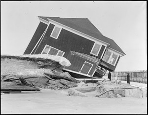 Wrecked houses, Hampton Beach, N.H.