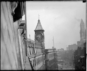 Clock of the Old Quincy House before it came down, Brattle Street