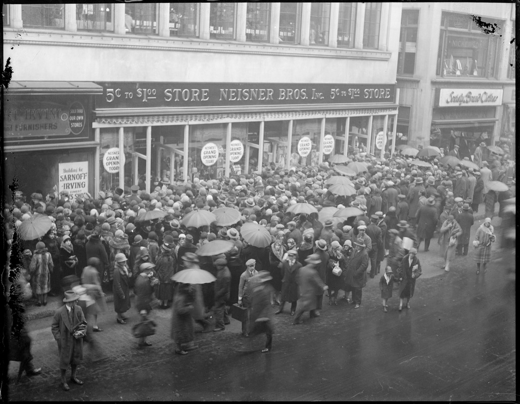 Washington St., 5¢ to $1.00 store, Neisner Bros. Inc. grand opening crowd