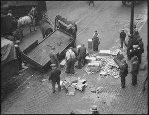 Another accident in Market District, horse and cart spill produce