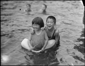 Children in the frog pond on the Common (Chinese children)