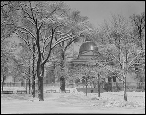 State House after a big snowstorm