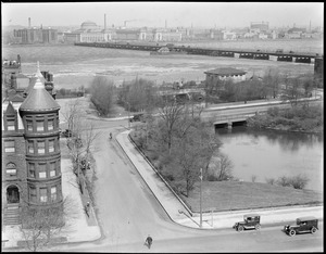 Beginning of the Fens at Charles River, near Kenmore Square