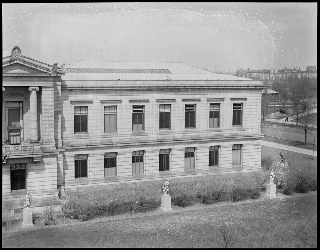 Panorama of the M.F.A. on Huntington (far right)