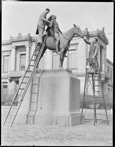 """Statue cleaning """"Appeal to the Great Spirit"""" (M.F.A.)"""