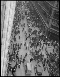 Washington St.: crowd at Temple Place, bird's eye view of shoppers & vehicles