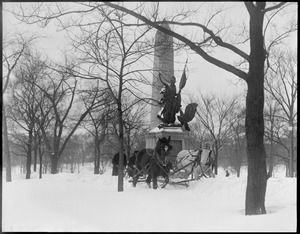Storm Tremont St. Mall, at soldiers/sailors monument, man - horses - snow removal (Boston Common)