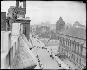 Hotel Kensington lion's view of Copley Square