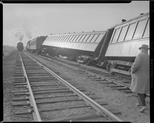Boston & Maine passenger train derails
