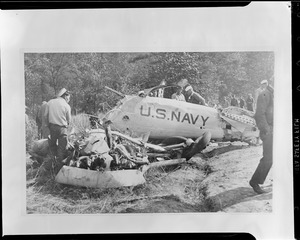 Airplane crash - Eduard C. Ritchie former naval combat flier killed near Anacostia, MD