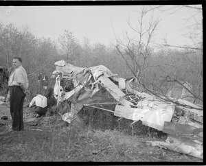 Accident aftermath (possibly May 20, 1940 crash in Hudson killing Elmer Johnson & Arthur Bullard)
